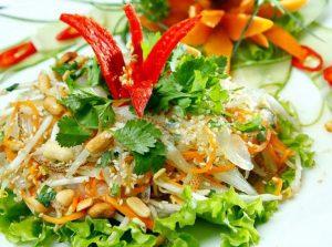 Món nộm sứa giòn ngon trọn vị và thanh mát.