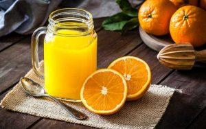 Nước cam có rất nhiều vitamin C làm đẹp cho làn da của bạn.