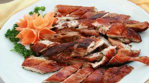 Thịt vịt nướng Vân Đình vừa nhìn là đã thấy kích thích vị giác.