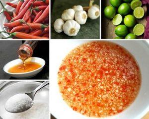 Cùng phá nước mắm chanh tỏi ớt chua ngọt cay đủ vị.