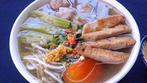 Món canh chua chả cá có thể dễ dàng làm tại nhà mà không mất nhiều thời gian.