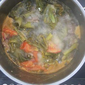 Mùi thơm của canh bò nấu dưa chua thật sự rất hấp dẫn.